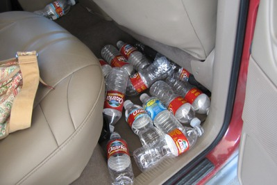 Water_bottles_in_car